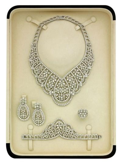 A DIAMOND PARURE, BY ELIE CHAT