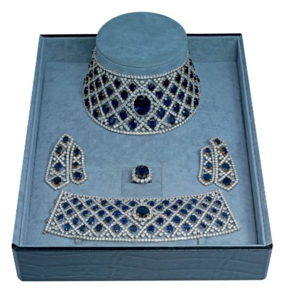 A SAPPHIRE AND DIAMOND PARURE,
