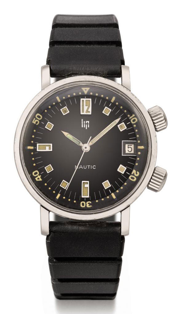Lip. A stainless steel diver's wristwatch with sweep centre seconds and date