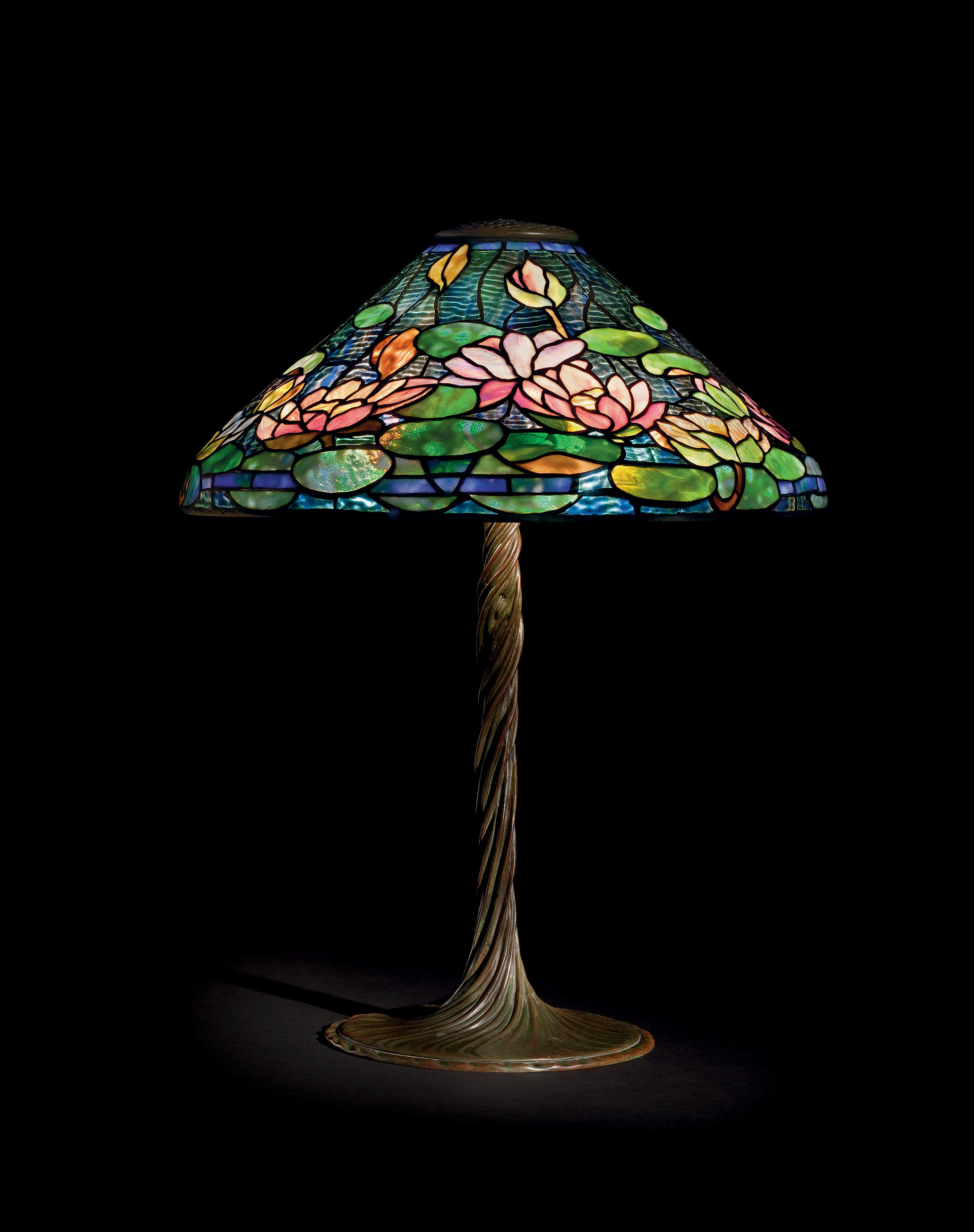 Tiffany Studios A Pond Lily Leaded Glass And Bronze Table Lamp