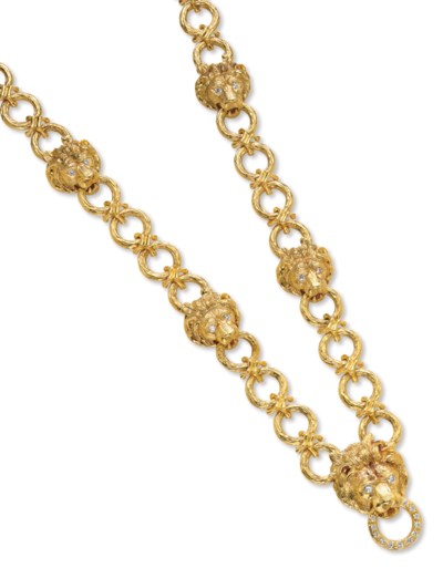 A GOLD AND DIAMOND NECKLACE, B