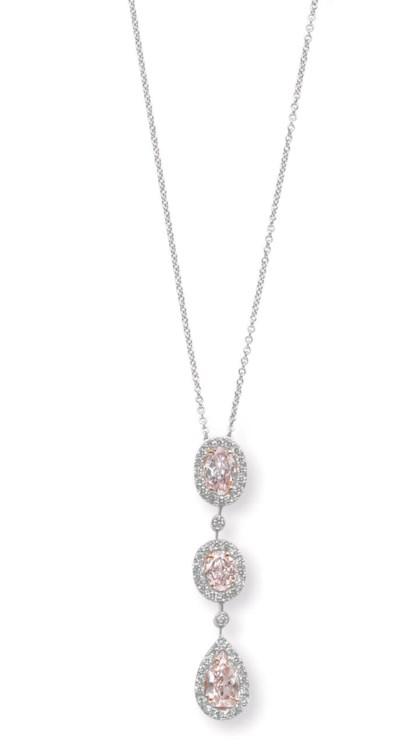 A COLORED DIAMOND PENDANT NECK