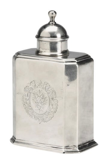 A VICTORIAN SILVER TEA CADDY A