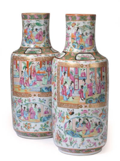 A PAIR OF CHINESE 'CANTON FAMI