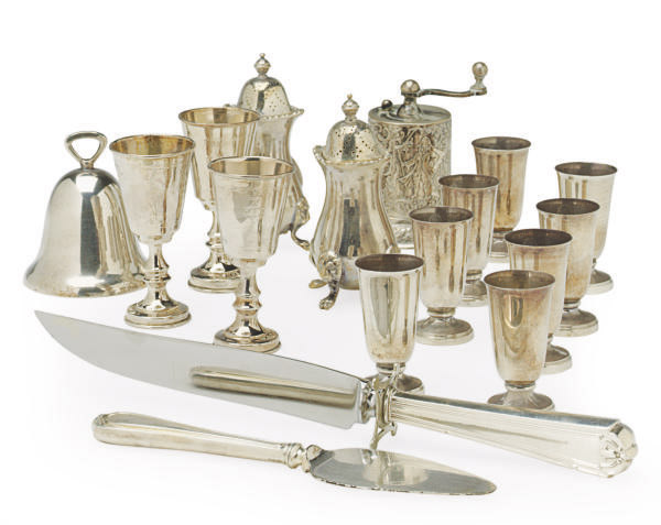 A GROUP OF SILVER AND SILVER-PLATED TABLEWARES,