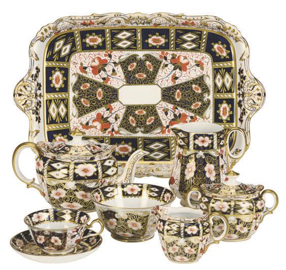 AN ASSEMBLED ENGLISH PORCELAIN 'DOUBLE DIAMOND IMARI' PART TEA SERVICE,