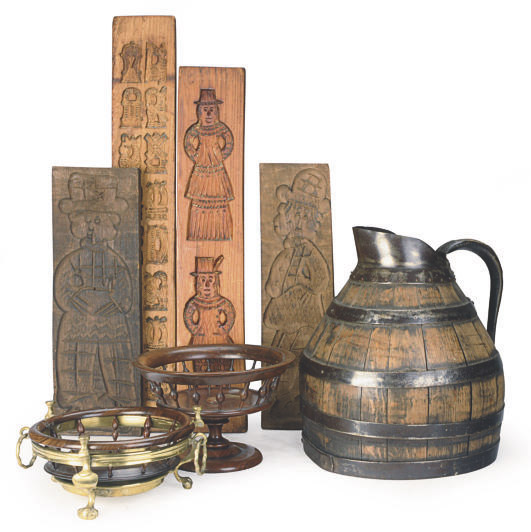 A GROUP OF WOOD TABLE OBJECTS,
