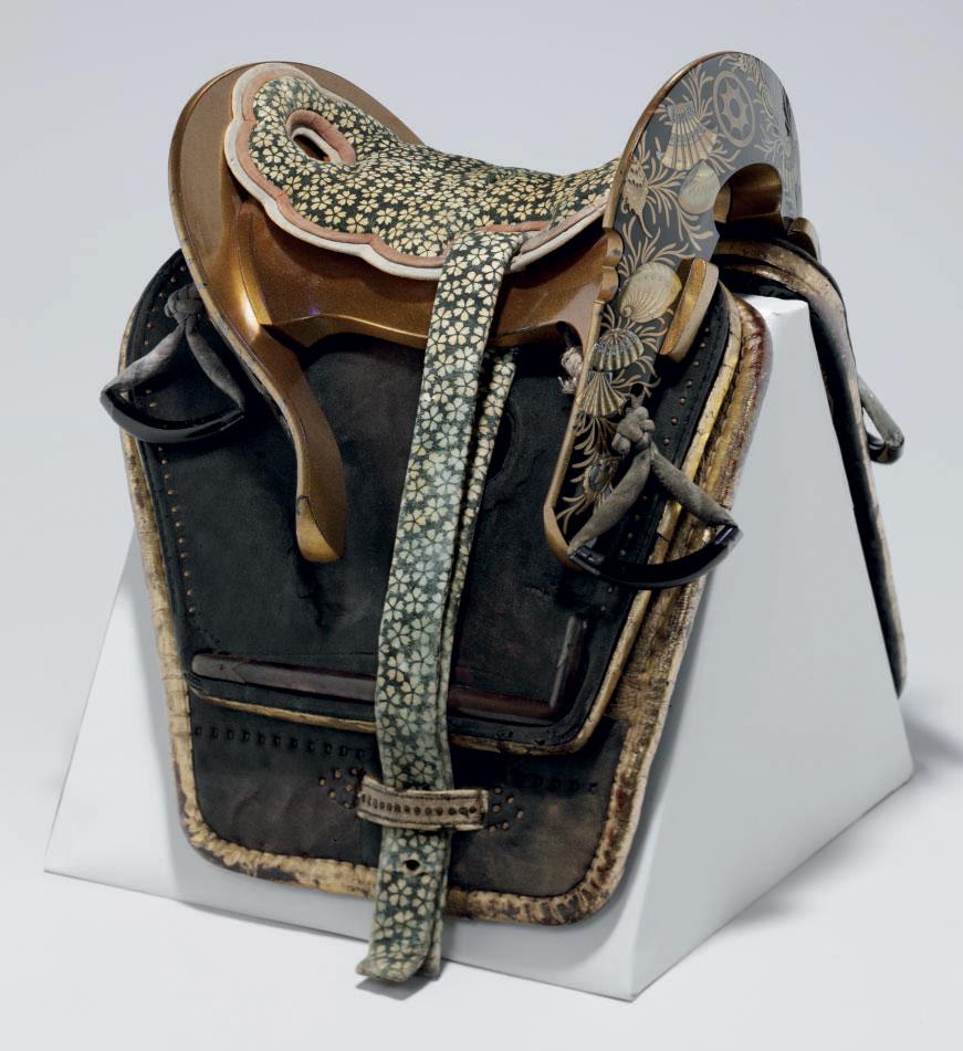 A lacquer saddle