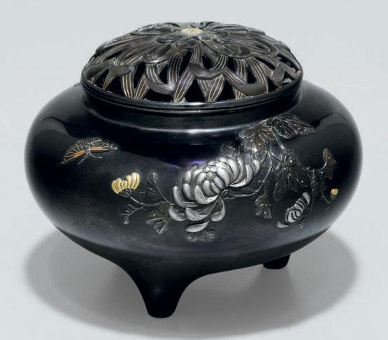 A shakudo incense burner (koro