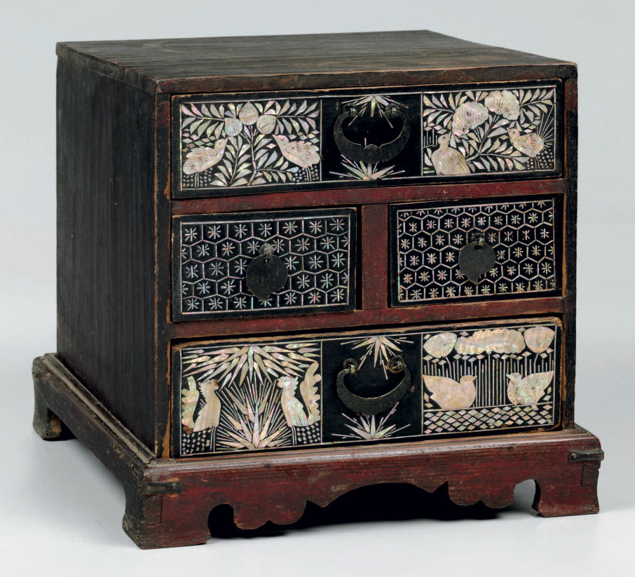 A Mother-of-pearl-inlaid Wood