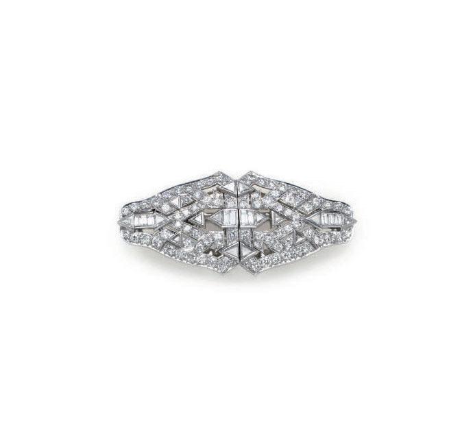 A DIAMOND AND PLATINUM DOUBLE-