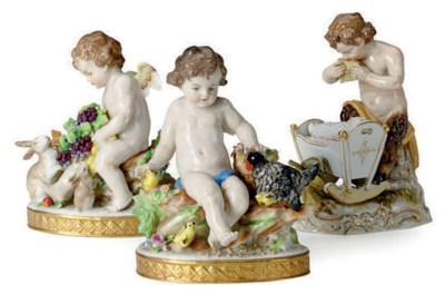 A GERMAN PORCELAIN GROUP OF IN