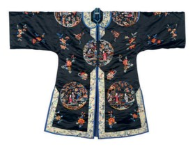 A CHINESE EMBROIDERED BLACK SILK ROBE,