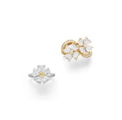 A GROUP OF DIAMOND FLOWER RING