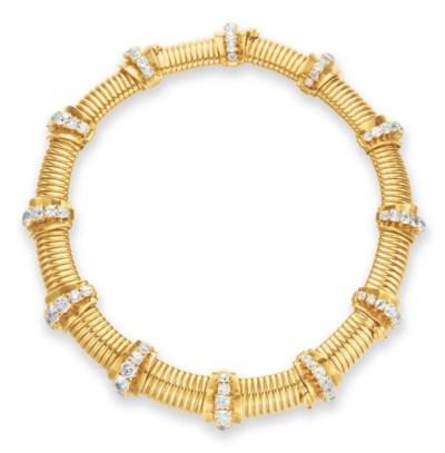 A RETRO GOLD AND DIAMOND NECKL