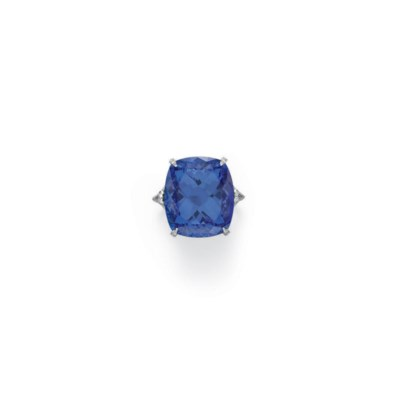 A TANZANITE AND DIAMOND RING,
