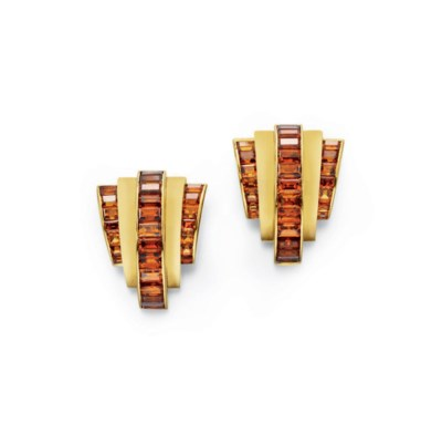 A PAIR OF ART DECO CITRINE AND