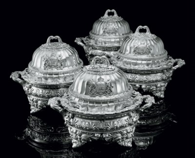 A SET OF FOUR REGENCY SILVER V