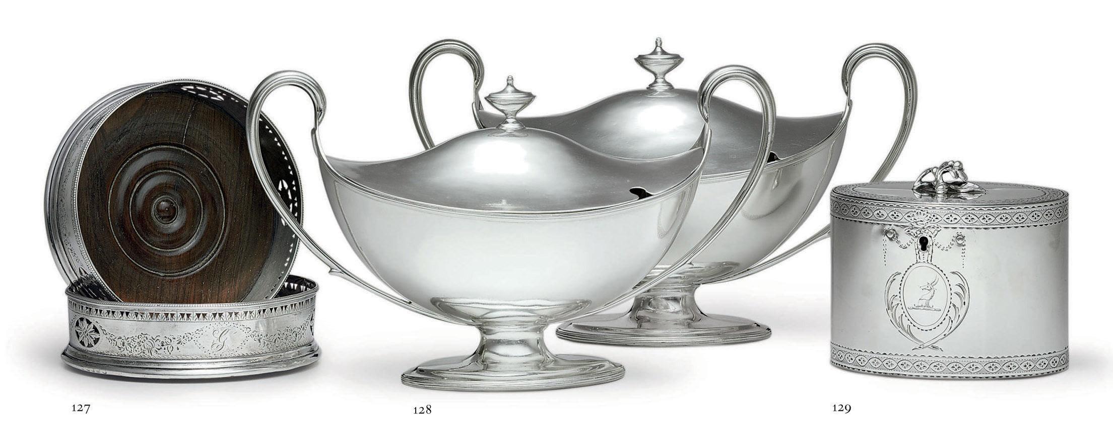 A GEORGE III SILVER TEA CADDY