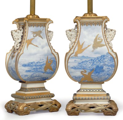A PAIR OF ROYAL WORCESTER PORC