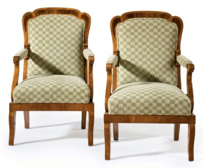 A PAIR OF BIEDERMEIER WALNUT A