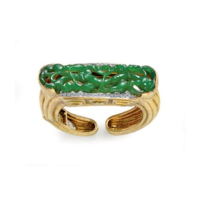 A GROUP OF JADE AND 18K GOLD J