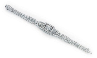 A DIAMOND AND PLATINUM WRISTWA