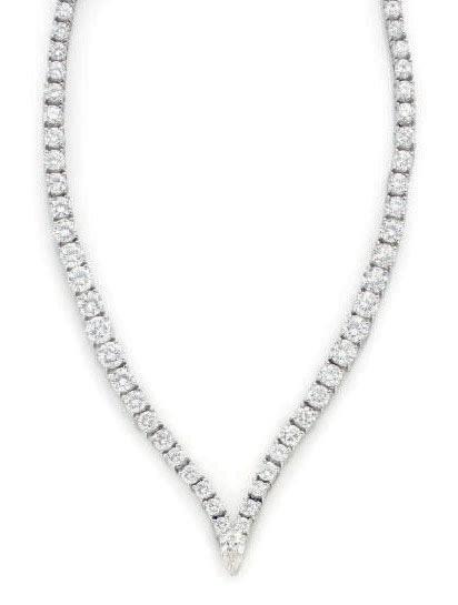 A DIAMOND AND PLATINUM NECKLACE