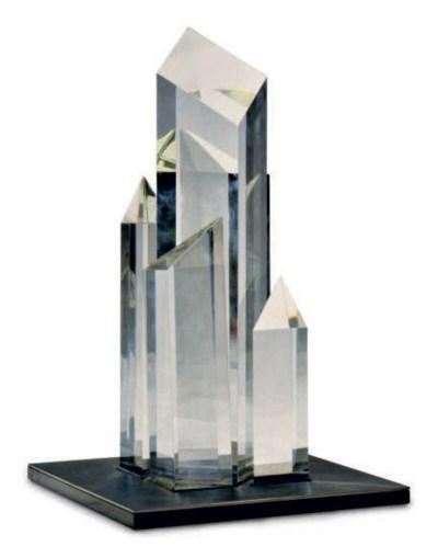 AN AMERICAN GLASS SCULPTURE 'C