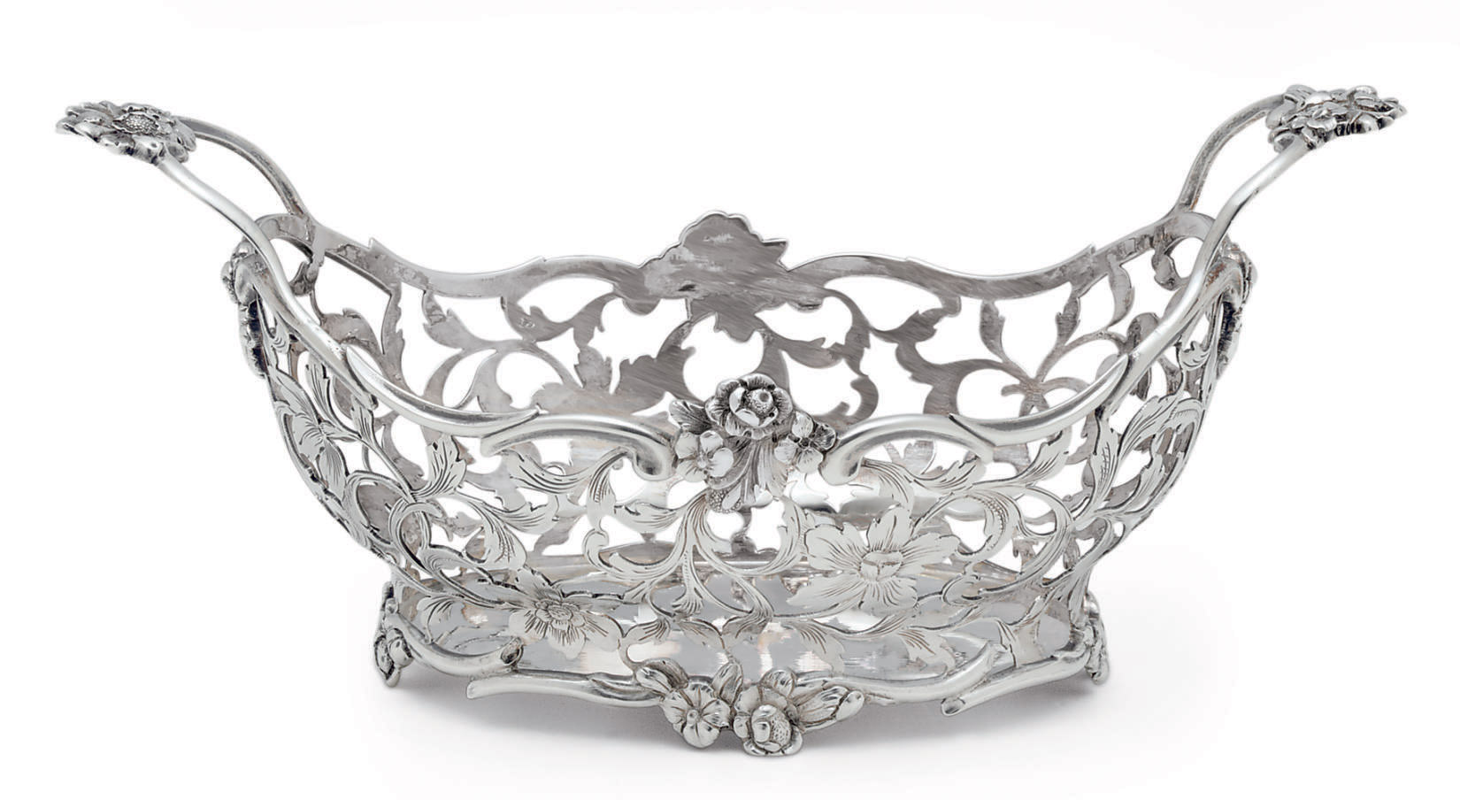 A FINE DUTCH SILVER BASKET