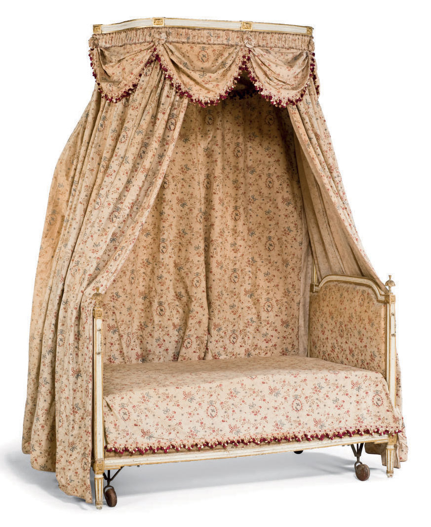lit a la polonaise d 39 epoque louis xvi vers 1780 christie 39 s. Black Bedroom Furniture Sets. Home Design Ideas