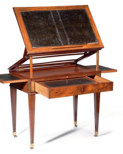 TABLE A LA TRONCHIN D'EPOQUE E