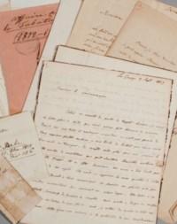 """STAËL, Germaine de (1766-1817). Réunion de 32 lettres autographes (dont 7 signées, """"N. de Staël"""" ou """"N. St."""") et d'une lettre non autographe adressée à Auguste Pidou (1754-1821), Landammann du canton de Vaud), Coppet, Milan, Gênes, Pisa, Paris et s.l., 8 juillet 1815 - 1emai 1817. 65 pages in-4 et in-8. Encre sur papier. 24 avec inscriptions ou enveloppes. [On joint:] --2 lettres d'Auguste de Staël, dont une du 3 septembre 1817 évoquant la mort de sa mère (""""l'horrible malheur dont j'ai été frappé"""") et l'amitié de celle-ci pour Pidou, """"Elle avait su apprecier les rares qualités de votre esprit"""", avec 4 autres."""