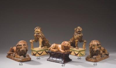 DEUX LIONS EN FAIENCE FINE D'A