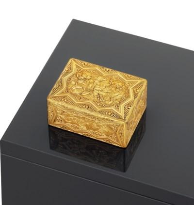 A LOUIS XV GOLD SNUFF-BOX