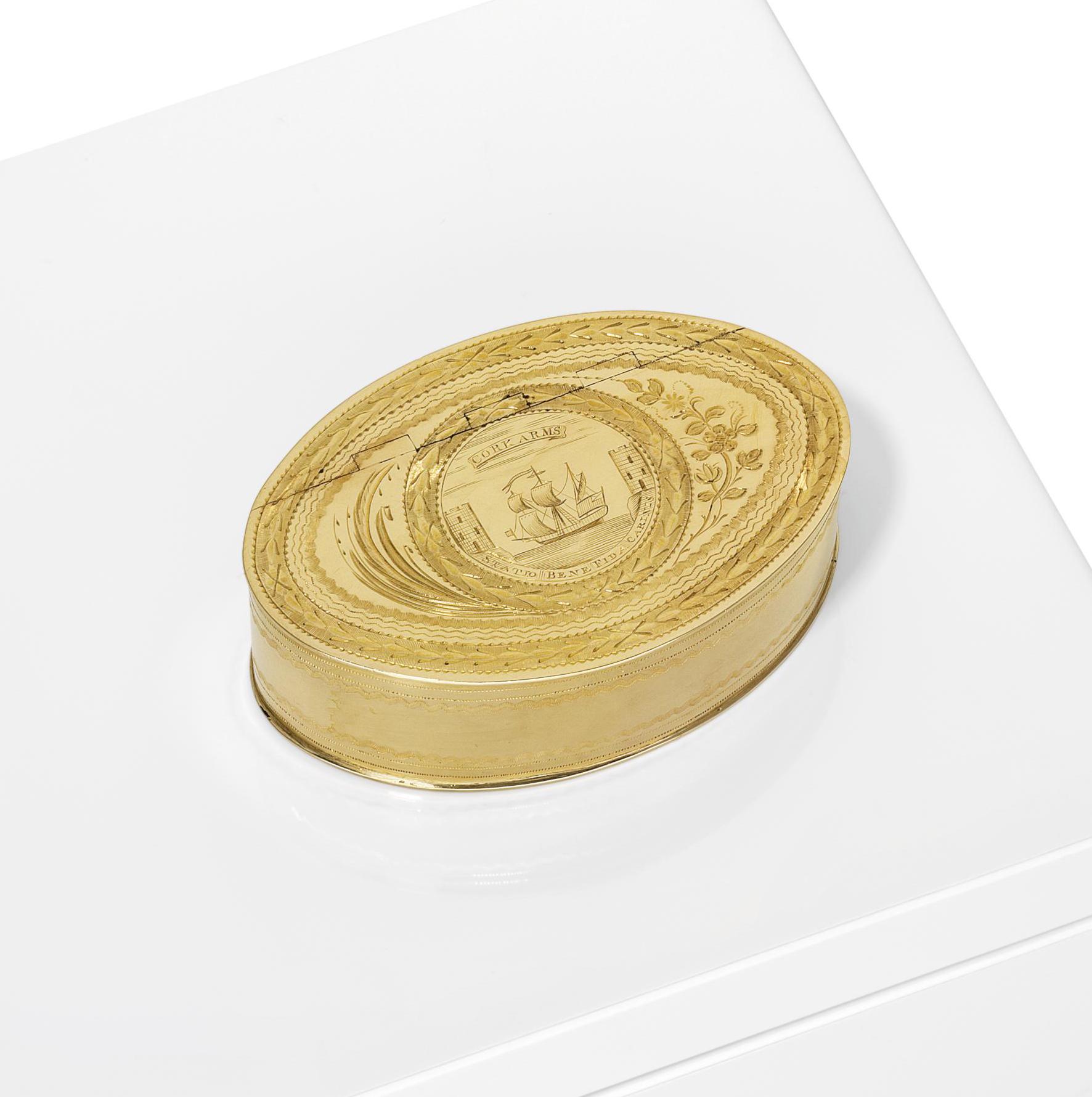 A GEORGE III IRISH GOLD FREEDOM BOX