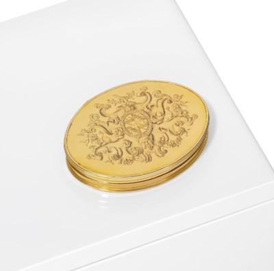 A GEORGE I GOLD SNUFF-BOX
