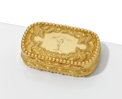A VICTORIAN GOLD SNUFF-BOX