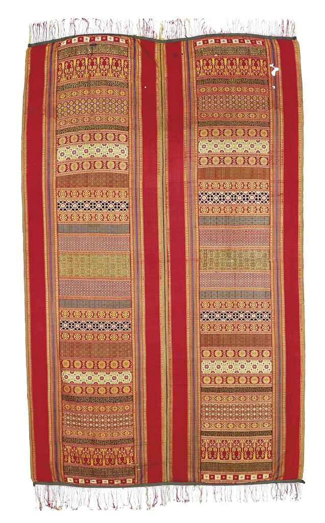 A SAADIAN WOVEN SILK DOUBLE PA
