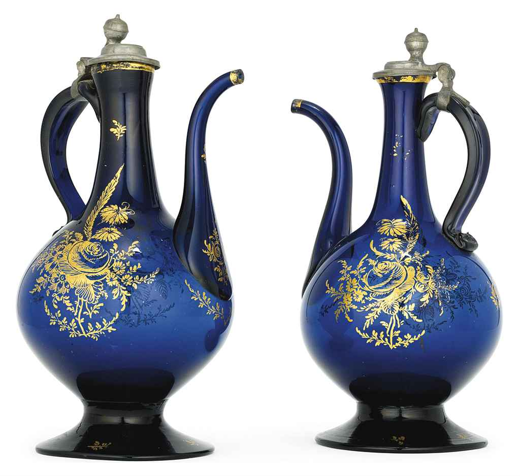 A PAIR OF GILT DECORATED BLUE
