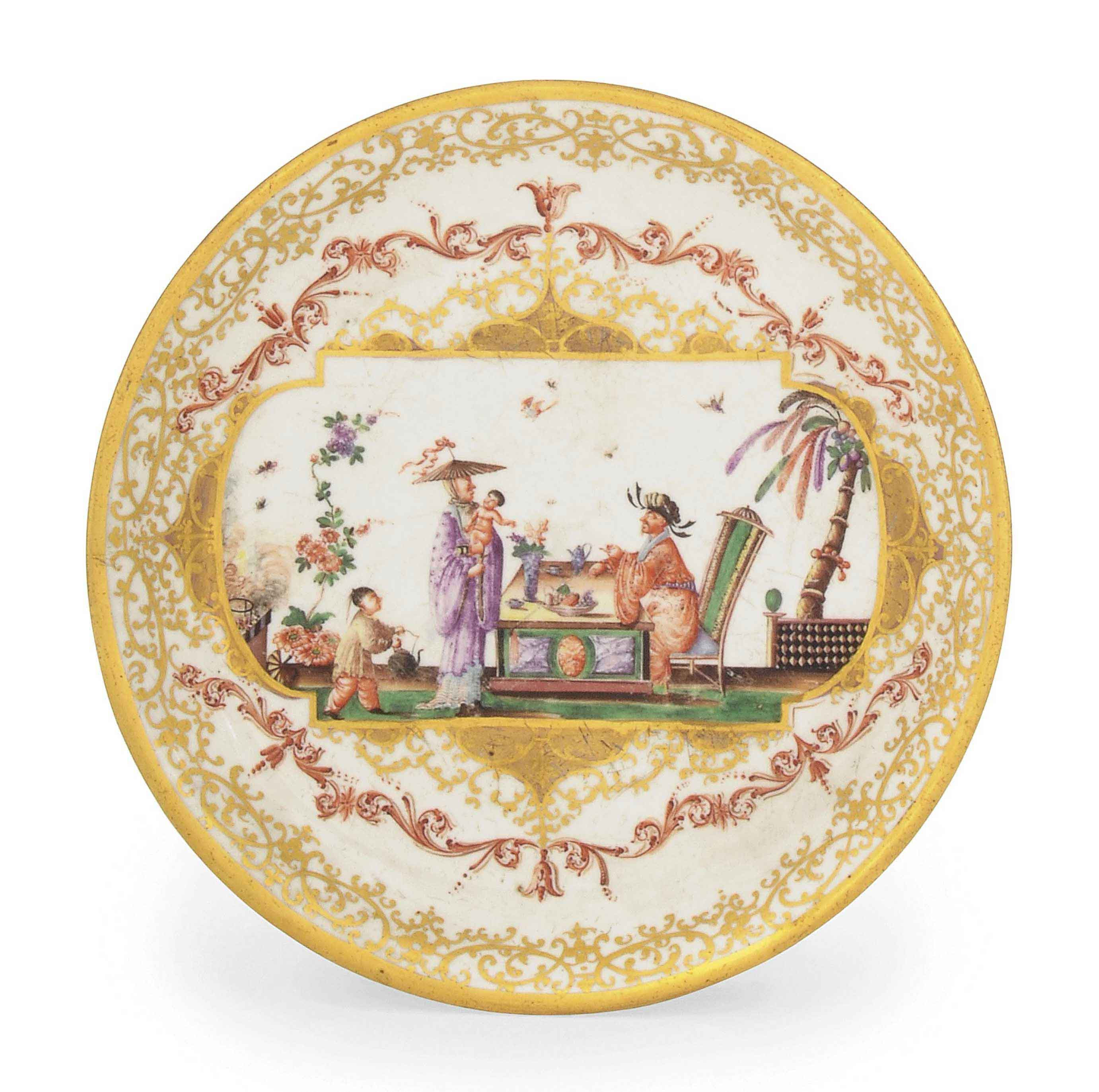 A MEISSEN CHINOISERIE CIRCULAR STAND