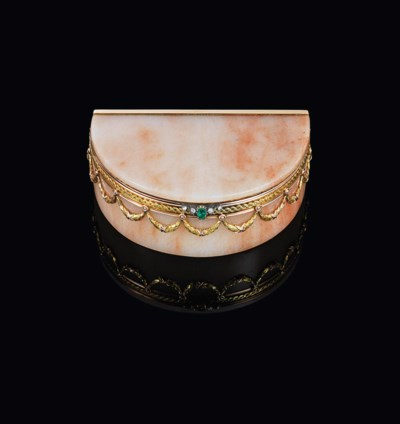 A JEWELLED TWO-COLOUR GOLD-MOU