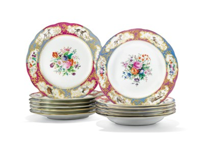 A GROUP OF PORCELAIN PLATES FR
