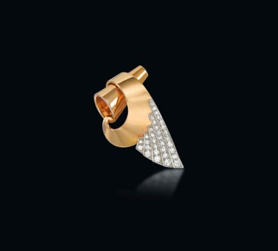A RETRO DIAMOND-SET CLIP BROOC