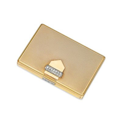 A DIAMOND-SET POWDER COMPACT,