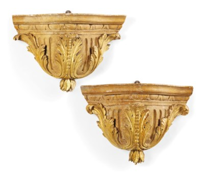 A PAIR OF ITALIAN CARVED GILTW