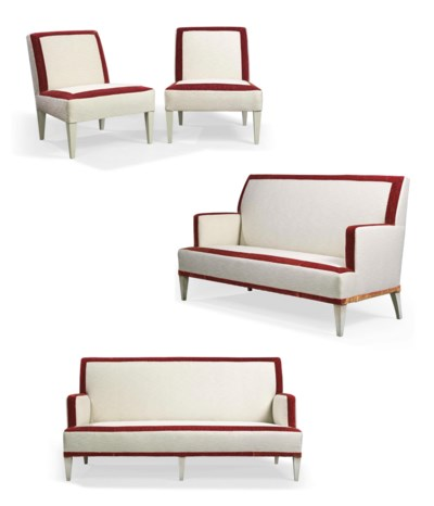 A SUITE OF UPHOLSTERED FURNITU