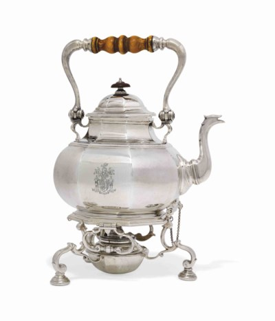 A GEORGE V SILVER KETTLE, STAN