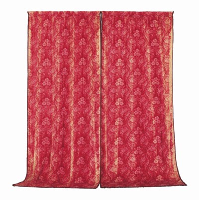 A SET OF SIX RED LINEN CURTAIN