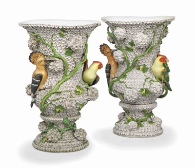 A PAIR OF GERMAN PORCELAIN SCN